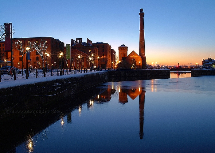 Canning Dock & Pumphouse - 20100106-canning-dock-pumphouse-reflection.jpg - Anna Nielsson