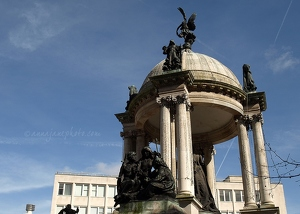 Victoria Monument, Derby Square