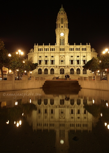 Câmara Municipal do Porto - 20110910-porto-city-hall-night-reflection.jpg - Anna Nielsson