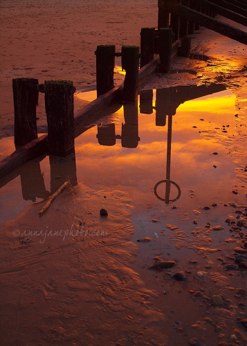 Beach Marker Reflection - 20121208-beach-marker-reflection.jpg - Anna Nielsson