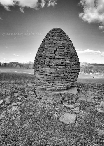 20130404-egg-by-andy-goldsworthy.jpg