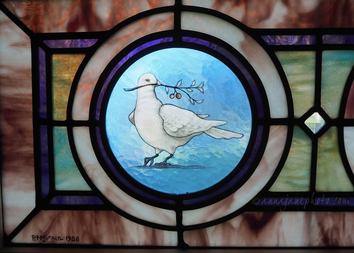 Summerville Presbyterian Church Stained Glass - 20140920-summerville-church-stained-glass-dove.jpg - Anna Nielsson