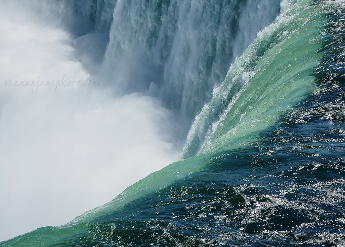 Top of Horseshoe Falls - 20140923-top-of-horseshoe-falls-2.jpg - Anna Nielsson