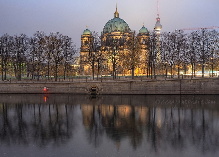 Berlin Cathedral & Kupfergraben - 20141105-berlin-cathedral-and-kupfergraben.jpg - Anna Nielsson