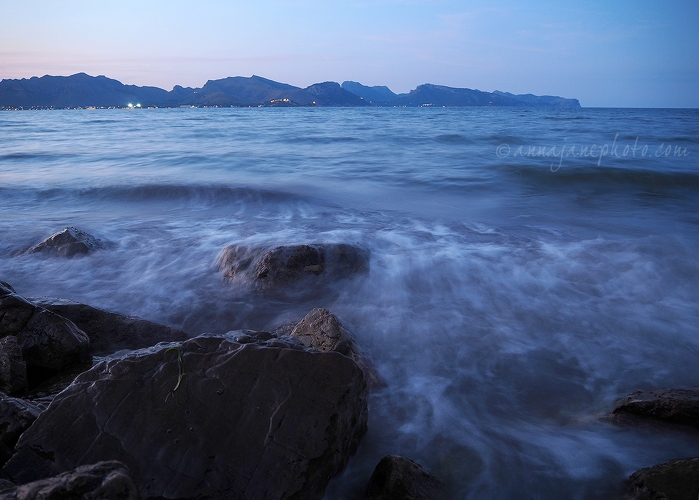 Bay of Pollença, Dusk - 20150820-bay-of-pollença-at-dusk.jpg - Anna Nielsson