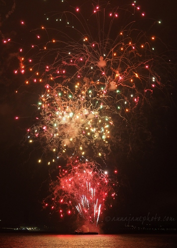 Fireworks - 20181104-river-of-light-fireworks-2.jpg - Anna Nielsson