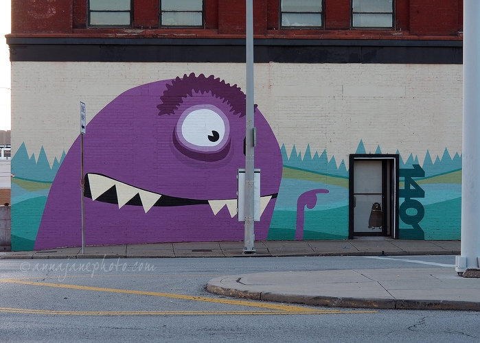 20181224-monster-street-art.jpg