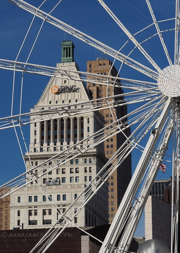 Wheel, PNC and Carew Tower - 20181224-wheel-pnc-carew-tower.jpg