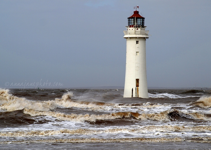New Brighton Lighthouse & Waves - 20090314-new-brighton-lighthouse-waves.jpg - Anna Nielsson