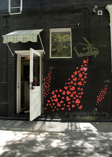 Hearts and Helicopters - 20130517-mott-street-graffiti.jpg - Anna Nielsson