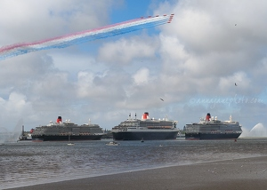 Three Queens & Red Arrows