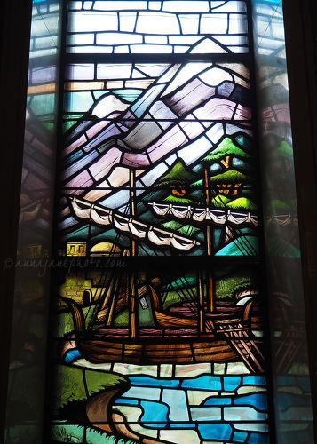 Spring Grove Cemetery Stained Glass Boat - 20150623-spring-grove-cemetery-stained-glass-boat.jpg - Anna Nielsson